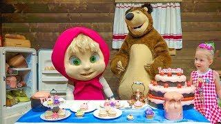 Парк развлечений Маша и Медведь в Италии Видео для детей про любимых героев из мультиков(, 2017-11-25T16:10:38.000Z)