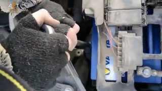 АКБ на Skoda Fabia II 1.2 бензин: установка Varta Blue Dynamic 60Ah R+(Ссылка на аккумулятор: http://aet.ua/car-batteries/akkumulyator-varta-blue-dynamic-6st-60ah-r-540a-2.html Подбор по данному авто: ..., 2015-10-12T06:40:52.000Z)