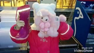 Мимишка получает подарки в МАГАЗИНАХ  Германии на Рождество