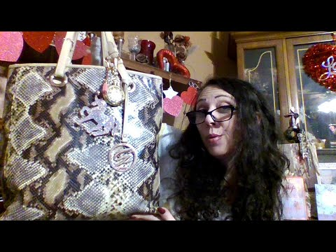 WIMB~Whats In My Bag~Show And Tell~miladyleela