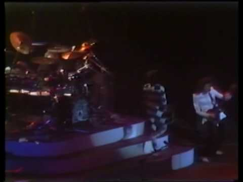QUEEN - A Night At The Summit, Live In Houston 1977 DVD. 9ª Parte