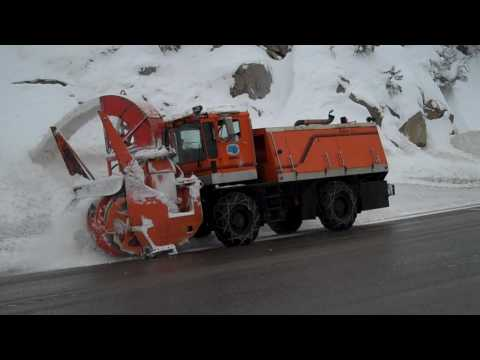 Caltrans Kodiak Blower coming down Highway 50
