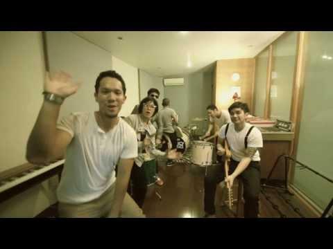 MALIQ & D'essentials - Dunia Sekitar (Official Music Video)
