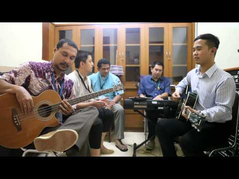 Tulus - Sepatu (Acoustic cover by Balinesthesiacoustic)