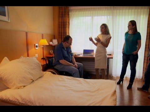 瑞士性工作者们学习怎么服务残障人士