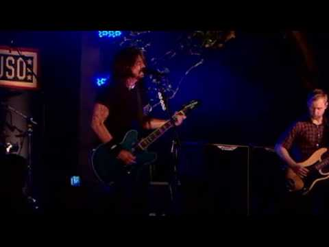 Foo Fighters - Long Road To Ruin ( Live At White House 2009 July 4th)