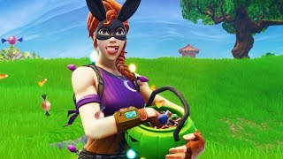 *NEW* BUNNY MOON SKin 🎃 AND Sweet or SAURES Emote in SHOP! | Fortnite
