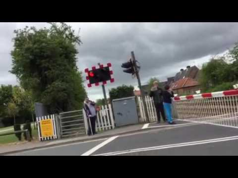 Beverley Flemingate Level Crossing (14.05.2016)
