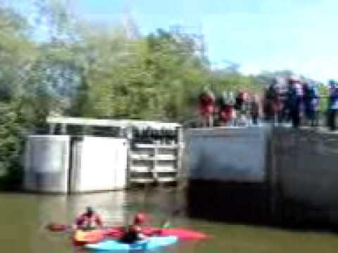 Yalding kayaking jumping from lock