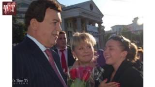 И.Д. Кобзон поздравляет Настю Белковскую и женщин на Премии