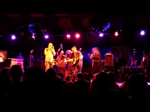 Donna the Buffalo All-Stars with Driftwood & Pete Ruttle - Grassroots 2014, Infield