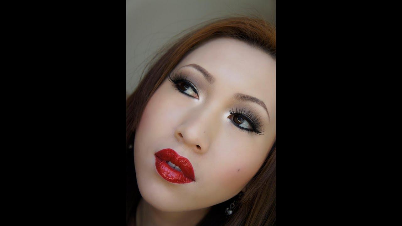 Soft Brown Smokey Eye With Red Lips