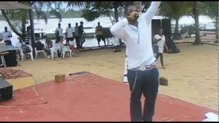 Mo Eazy Performs at Ibeshe Beach (Make Your Move Promo)