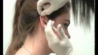 видео Обучение: прокол мочек ушей и пирсинг уха в Новосибирске, Все техники прокола уха