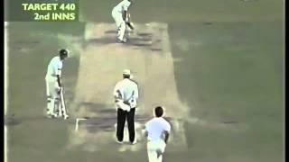 Adam Gilchrist   FUCK OFF MATE     vs Stephen Fleming   Perth 2001