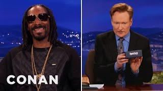 Repeat youtube video Snoop Dogg Gives Conan A Vaporizer