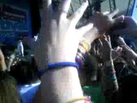 Ironik Ft Chipmunk And Elton John - Tiny Dancer Live At LMHR Festival