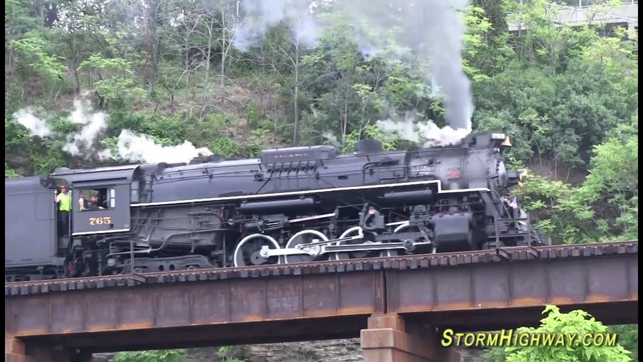NKP #765 steam locomotive whistle/stack echo in Pittsburgh