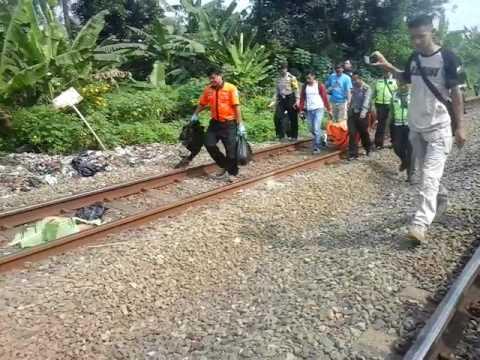 Detik detik pengambilan potongan tubuh korban tertabrak kereta api sumurbor cilame