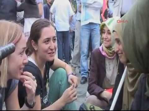 Gezi Parkı'nda  Islamı Kullanan Deyuslar
