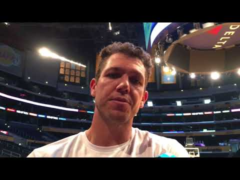 Luke Walton responds to LaVar Ball saying he lost his Lakers players | ESPN