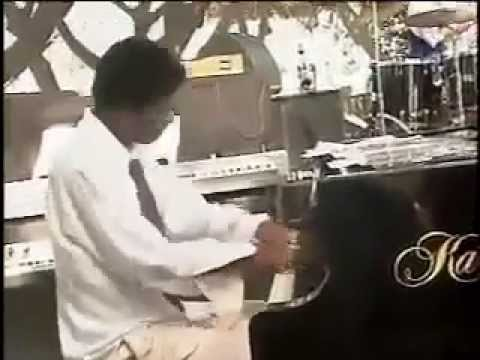 Robert Turner's piano solo  with Ronnie Laws