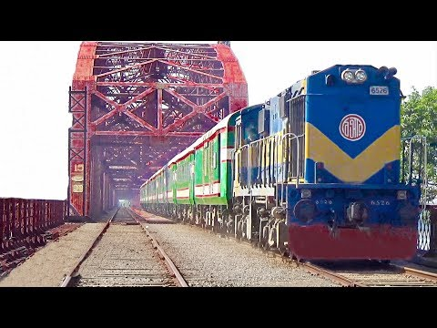 International Train Maitree Express (BR Rake) Passing Through 102 Years Old Hardinge Bridge