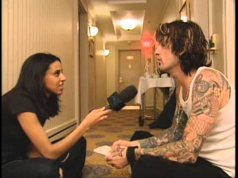 """Tommy Lee interview """"Never A Dull Moment"""" MusiquePlus 2002"""