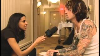 "Tommy Lee interview ""Never A Dull Moment"" MusiquePlus 2002"