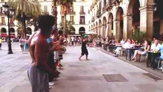 Capoeira & Acrobatics - Plaza Real - Barcelona