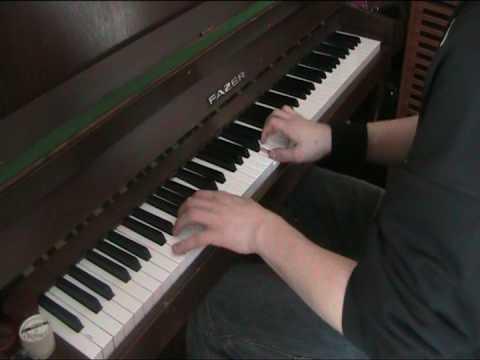 RAY pelikone musiikkeja pianolla