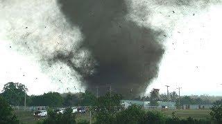 Смертельные торнадо и наводнения, огромный ущерб. Природа обрушила гнев на мир