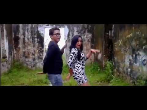 Maju mundur cantik - Rina Nose (Cover Clip & Lipsync) versi Tutut Yutik ft Iyank Chwamp