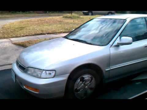 Spinner hubcaps on Honda accord