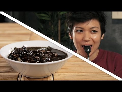 People Try Dinuguan For The First Time