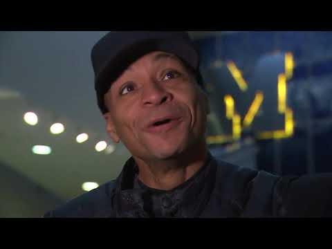 Gus Johnson tours Michigan Stadium