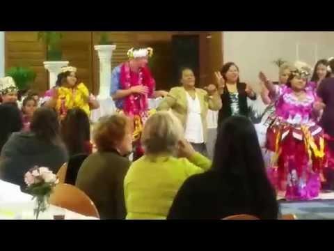 Tuvalu dance at zias wedding