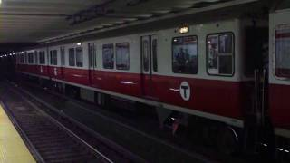 HD MBTA Red Line at Kendall/MIT