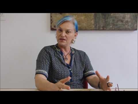 Sandra Santos: Vovó conta história dos bichos estudantes