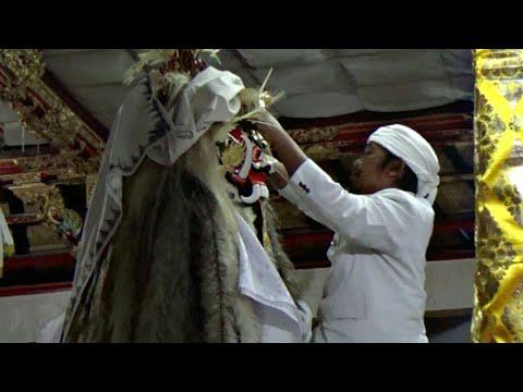 Ngeratep lan Pasupati Tapakan Ida Betara Ratu Taman Br. pande Manuaba Tegallalang Gianyar