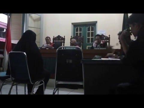 Sidang Pemeriksaan Terdakwa Penipuan Karyawan Pimpinan PTPN IV - Medan 10/02/2016 (part2)
