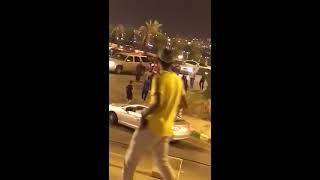 بالفيديو... اشتباك بين شباب وفتيات في السعودية