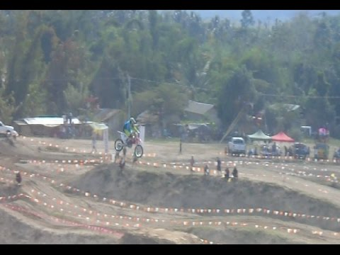 Watching  Australian  Motorcross Freestyle At T