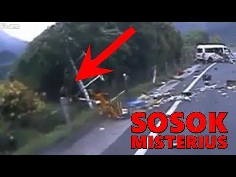 Video 4M4TIR Mengerikan Kecelakaan Maut di Tanjakan Emen Subang