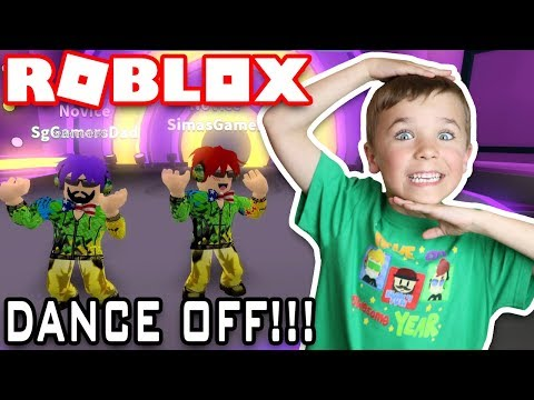 WE ARE THE BEST DANCE TEAM EVER! / ROBLOX DANCE OFF!!!
