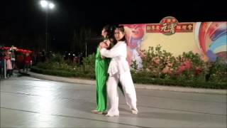 東華三院李嘉誠中學現場跳《月狐呤 青蛇與白蛇中》舞!