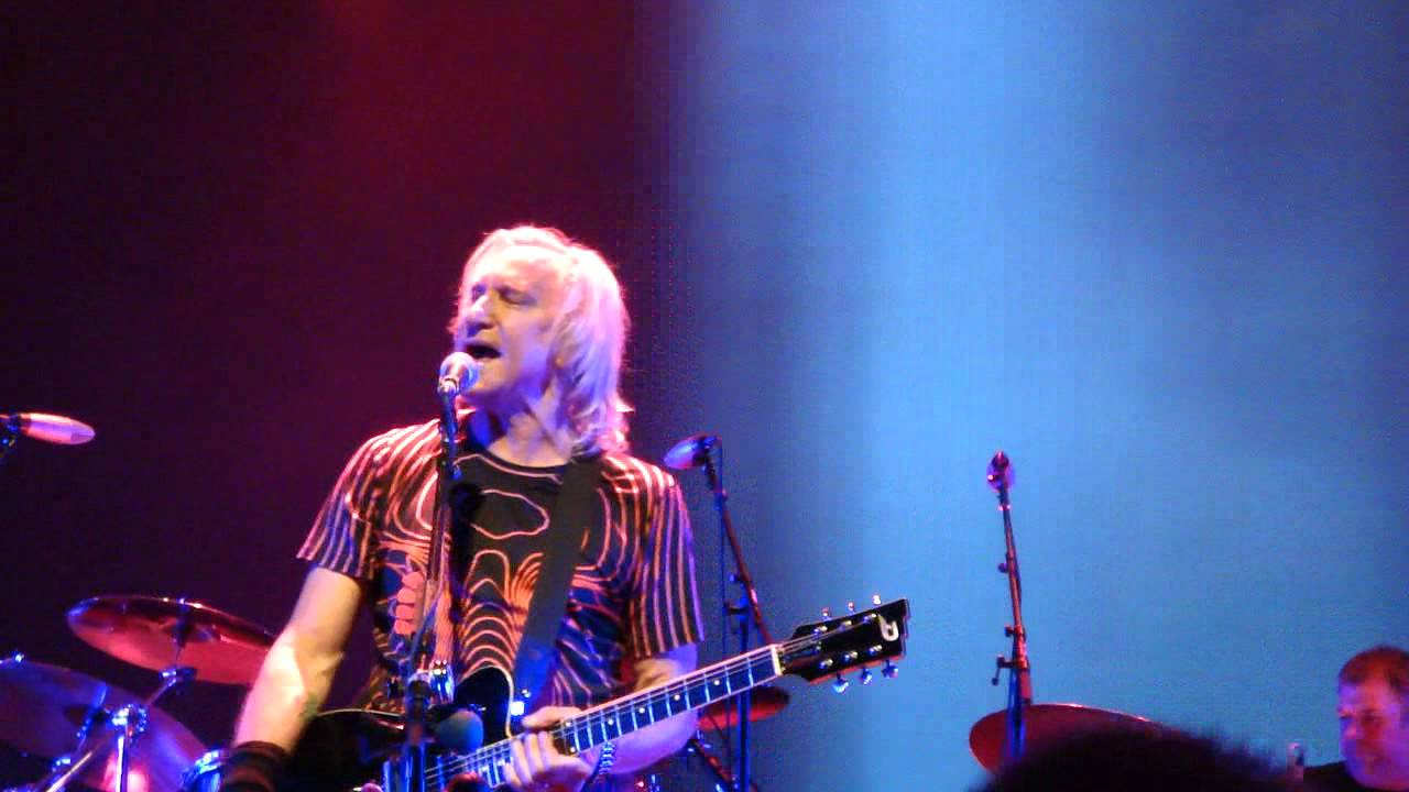 12 life's been good joe walsh 9-18-2015 warren ohio packard music