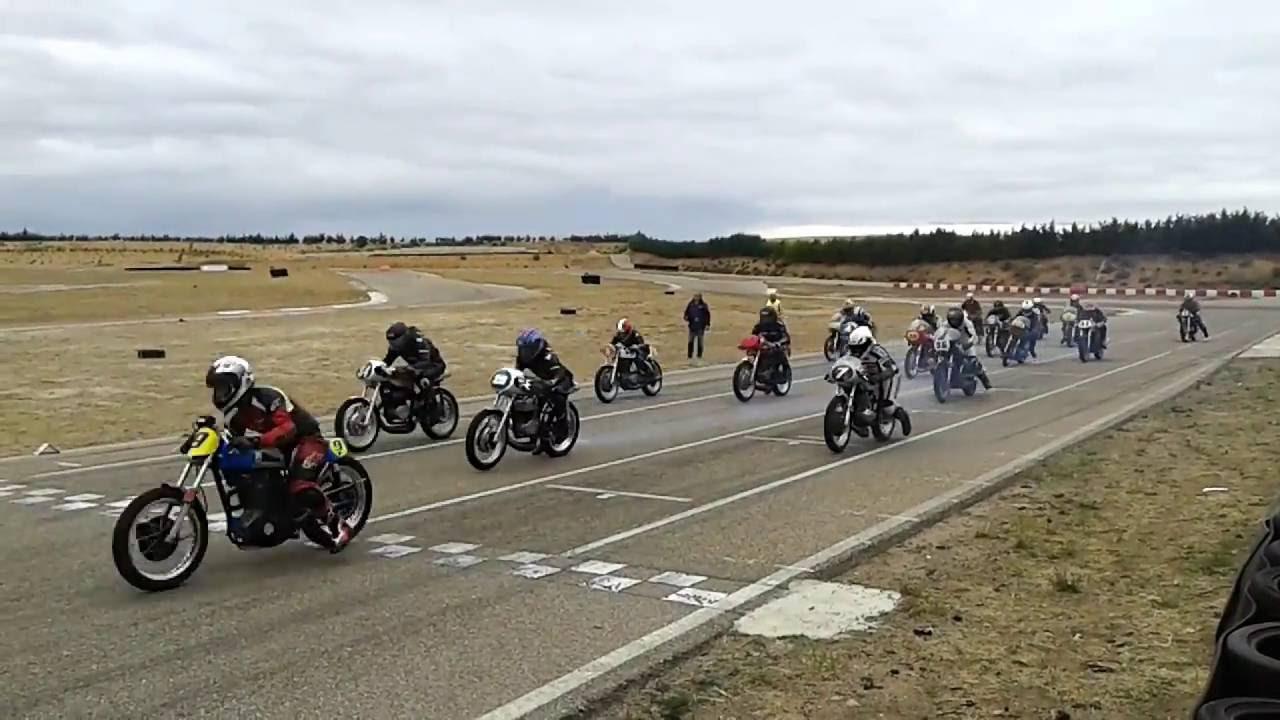 Circuito Kotarr : Salida motos clasicas circuito kotarr youtube