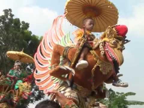 PISAHAN BAE   Singa Dangdut PUTRA SURTI MUDA 21/05/2016 Show Cilogog
