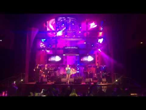 Jennifer Sings Kerosene at Universal Studios Orlando Rising Star Karaoke